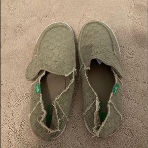 Men's size 6 Sanuk shoes - Khaki Green